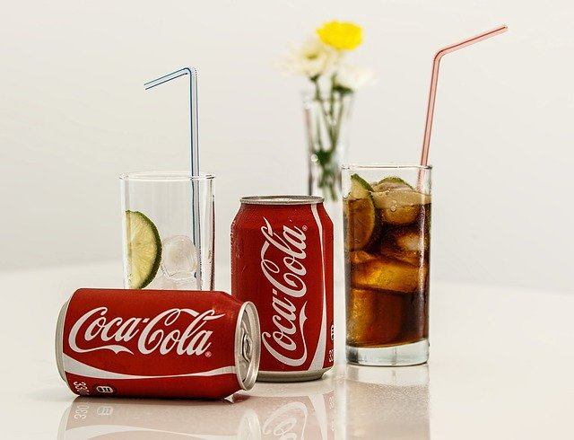 coca cola studený nápoj